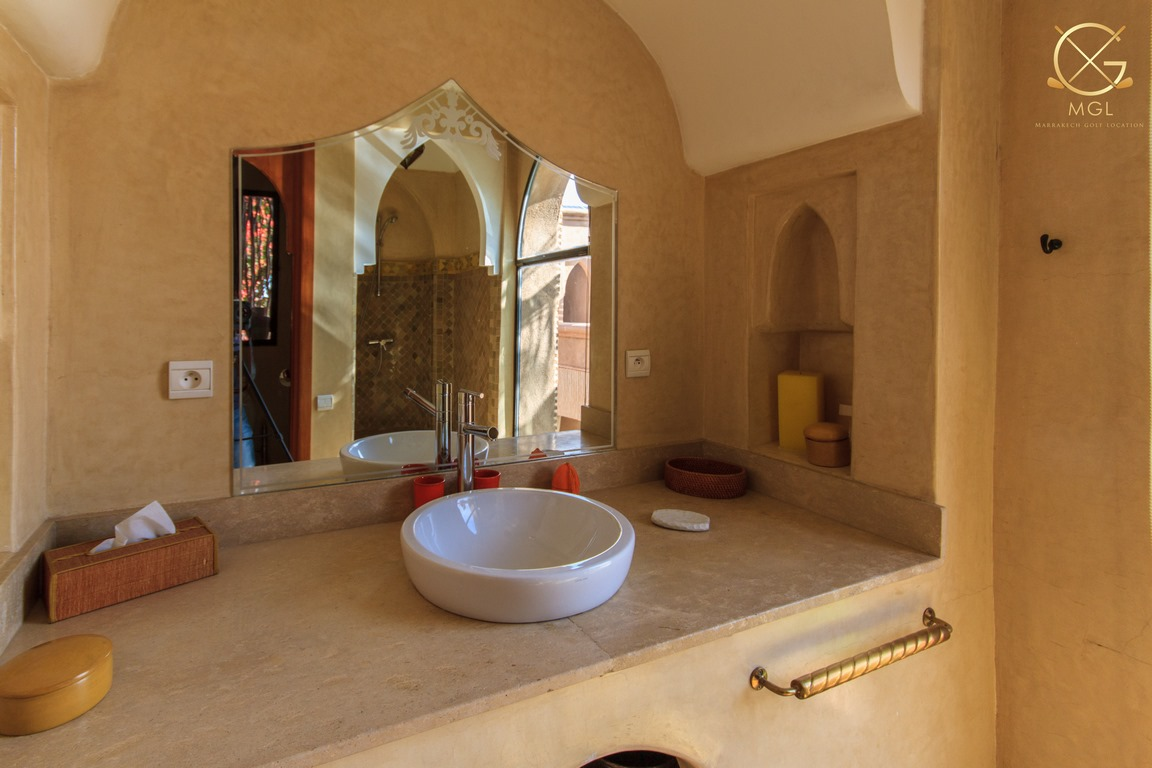 villa 4 chambres/ piscine
