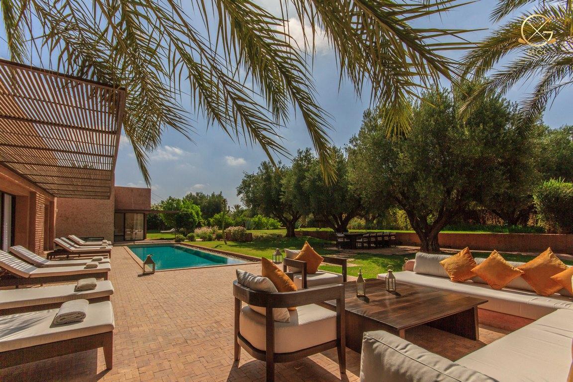 villa 6 chambres/ piscine