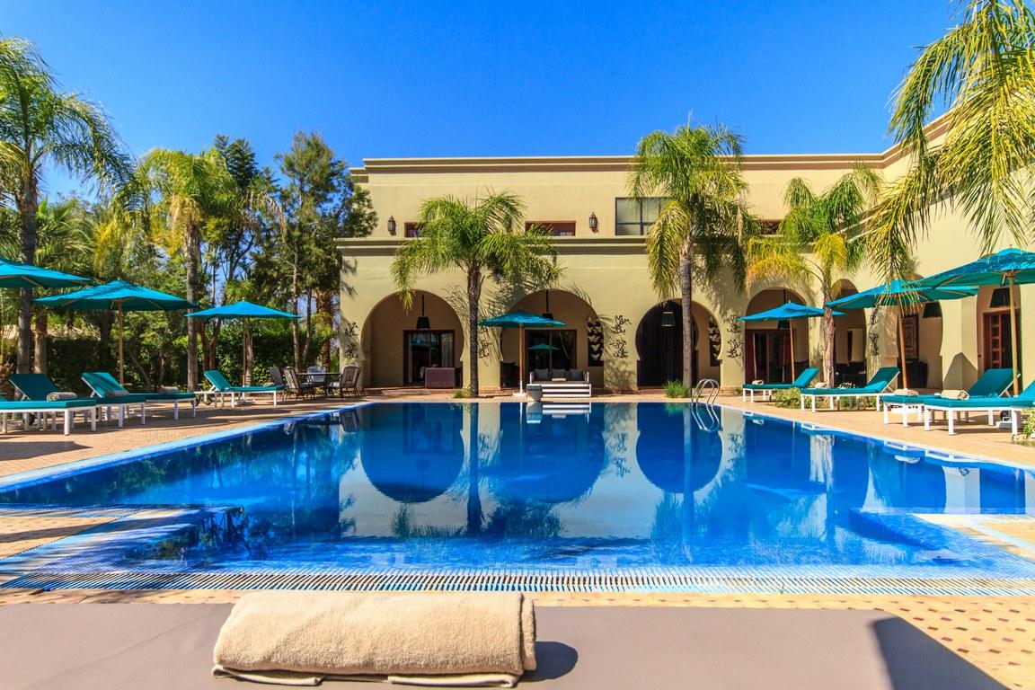 villa 22 chambres / piscine